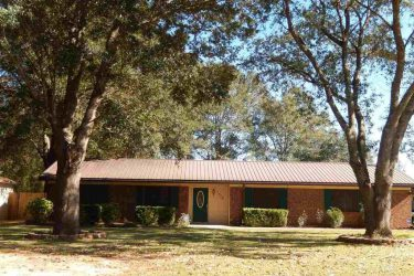 1310 Woodfield Dr, Cantonment, FL 32533