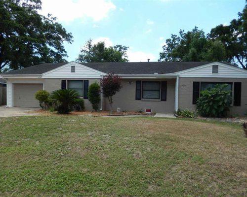 111 Myrtlewood Dr, Pensacola, FL 32503