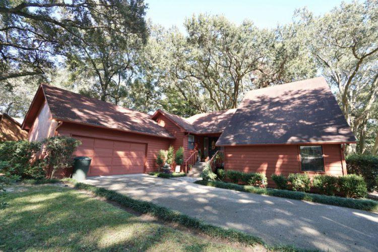11586 Dueling Oaks Drive Pensacola, FL 32514